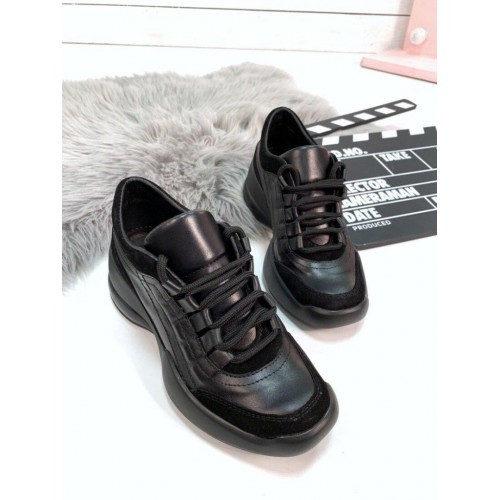 Кожаные осенние кроссовки