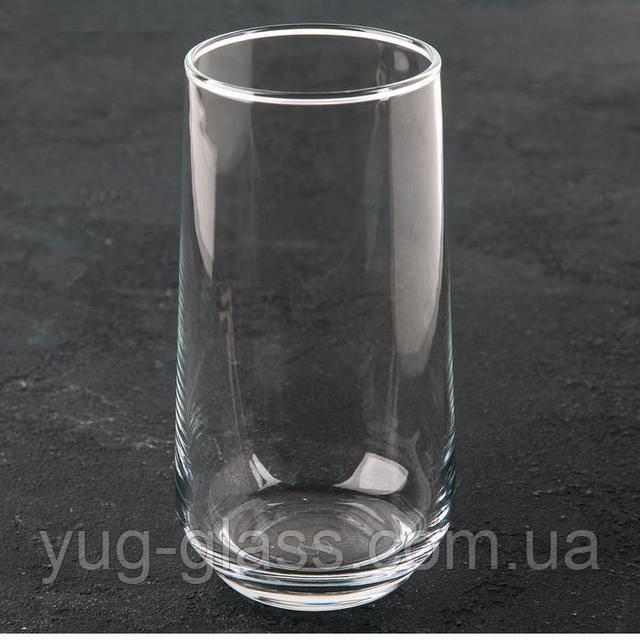 Высокий стакан