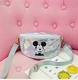 """Детская голографическая блестящая сумочка бананка """"Микки Маус """" серая белая серебряная серебристая, фото 2"""