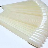 Типсы овал, молочные, миндаль, на кольце 50 шт, для дизайна, палитра, для лаков, гель лаков