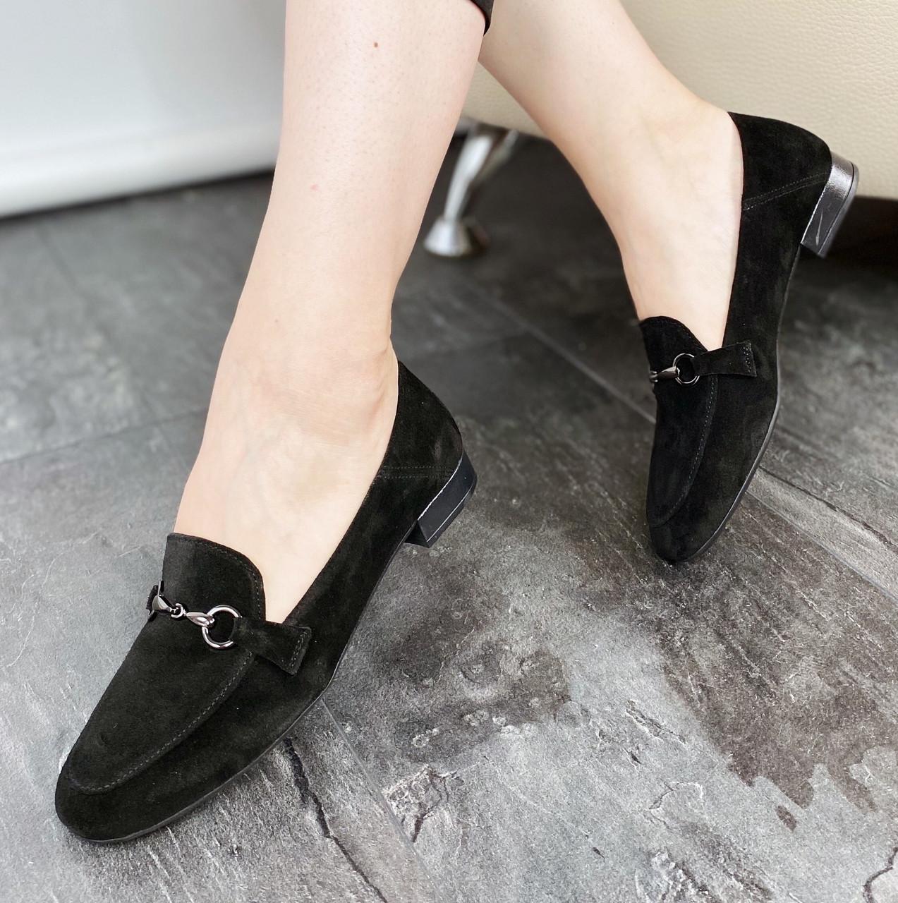 Лоферы женские замшевые черные MORENTO