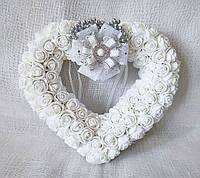 Свадебная подушечка для обручальных колец сердце из роз белая LA BEAUTY Studio Эксклюзив, фото 1