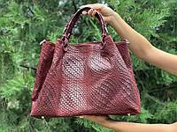 Кожаная вместительная бордовая сумка Италия под плетение