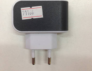 Зарядные устройства для моб тел 3 usb 3,1am