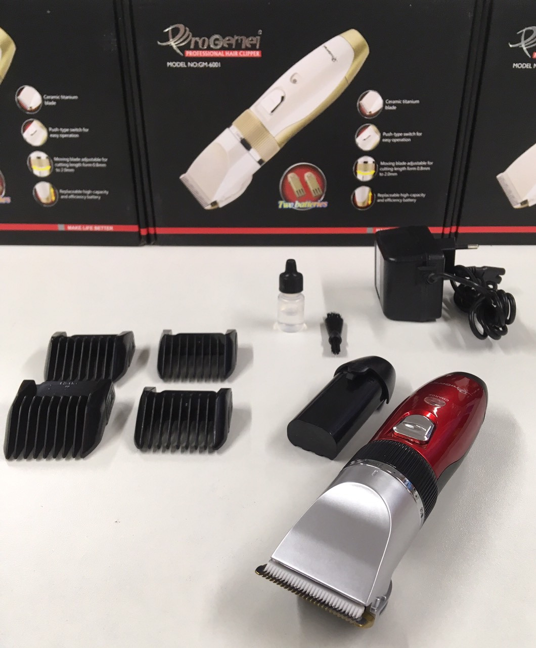 Машинка для стрижки волос ProGemei GM-6001 2 аккумулятора