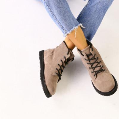 Зимние замшевые бежевые ботинки для девочки
