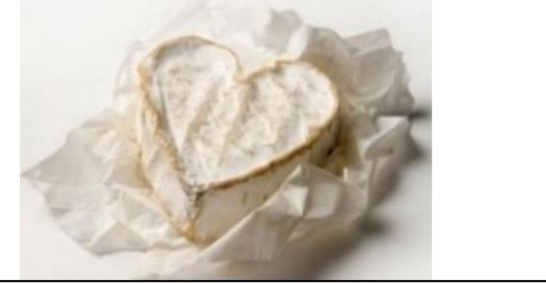 Невшатель – сыр в виде сердца, весом 30 г,  снаружи белая плесень, серединка нежная как  у бри
