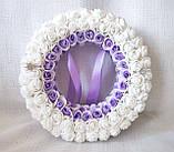 Свадебная подушечка для обручальных колец круглая из роз сиреневая и белая LA BEAUTY Studio Эксклюзив, фото 3