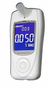 Специальный алкометр Fit 239-LC с электрохимическим датчиком,LCD дисплеем,часами,памятью,мундштуками