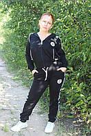 Черный  трикотажный спортивный костюм с лампасами