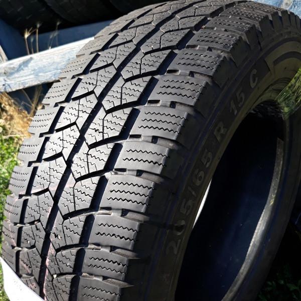 Бусовские шины б.у. / резина бу 205.65.r15с Semperit Vangrip Семперит
