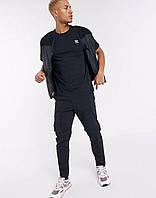 Футболка Adidas чёрная с белым лого