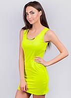 Яркое летнее мини-платье с перфорацией на спинке