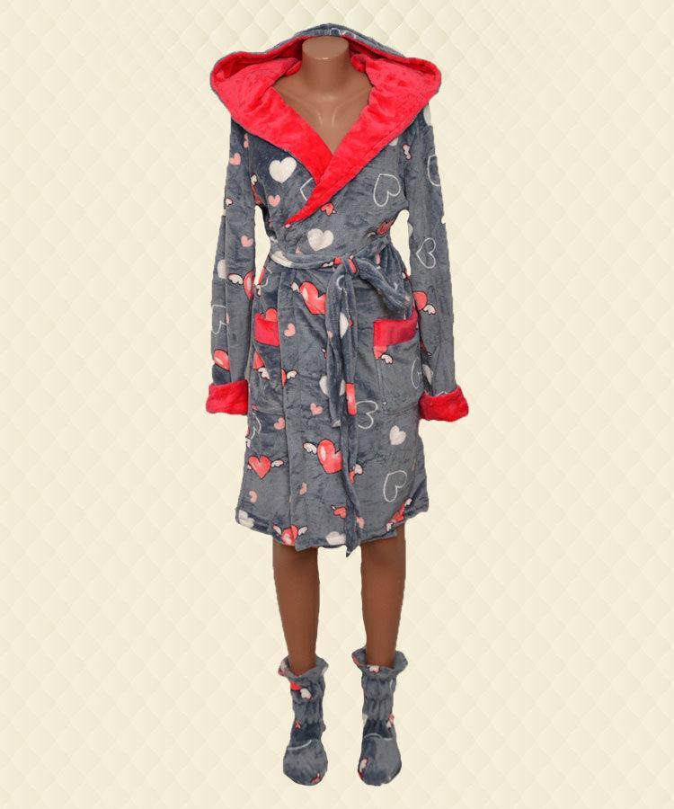 Комплект халат + сапожки в сердечках серый велсофт