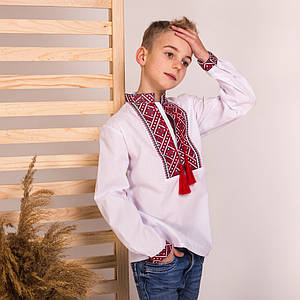 Подростковая сорочка с красной вышивкой Матвей