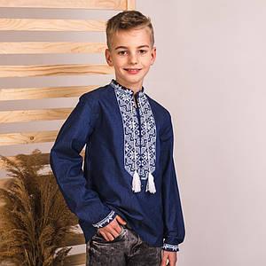 Подростковая вышиванка Звездочка на джинсе с белой вышивкой