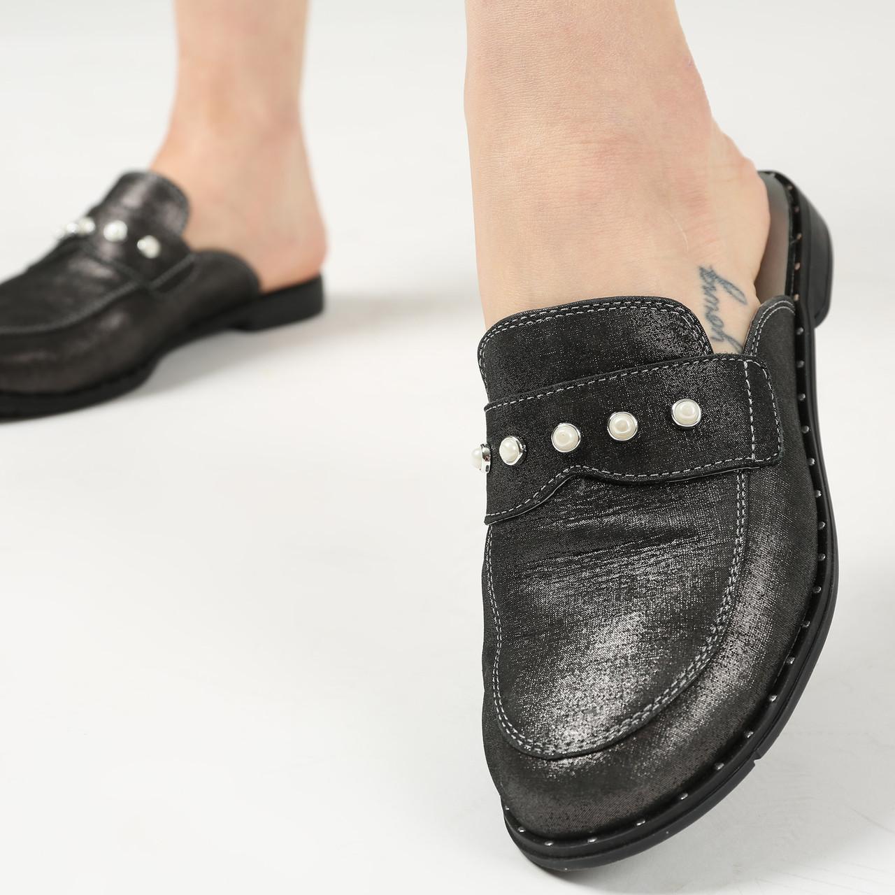 Кожаные шлепанцы с закрытым носком, мюли женские черного цвета  36,40,41
