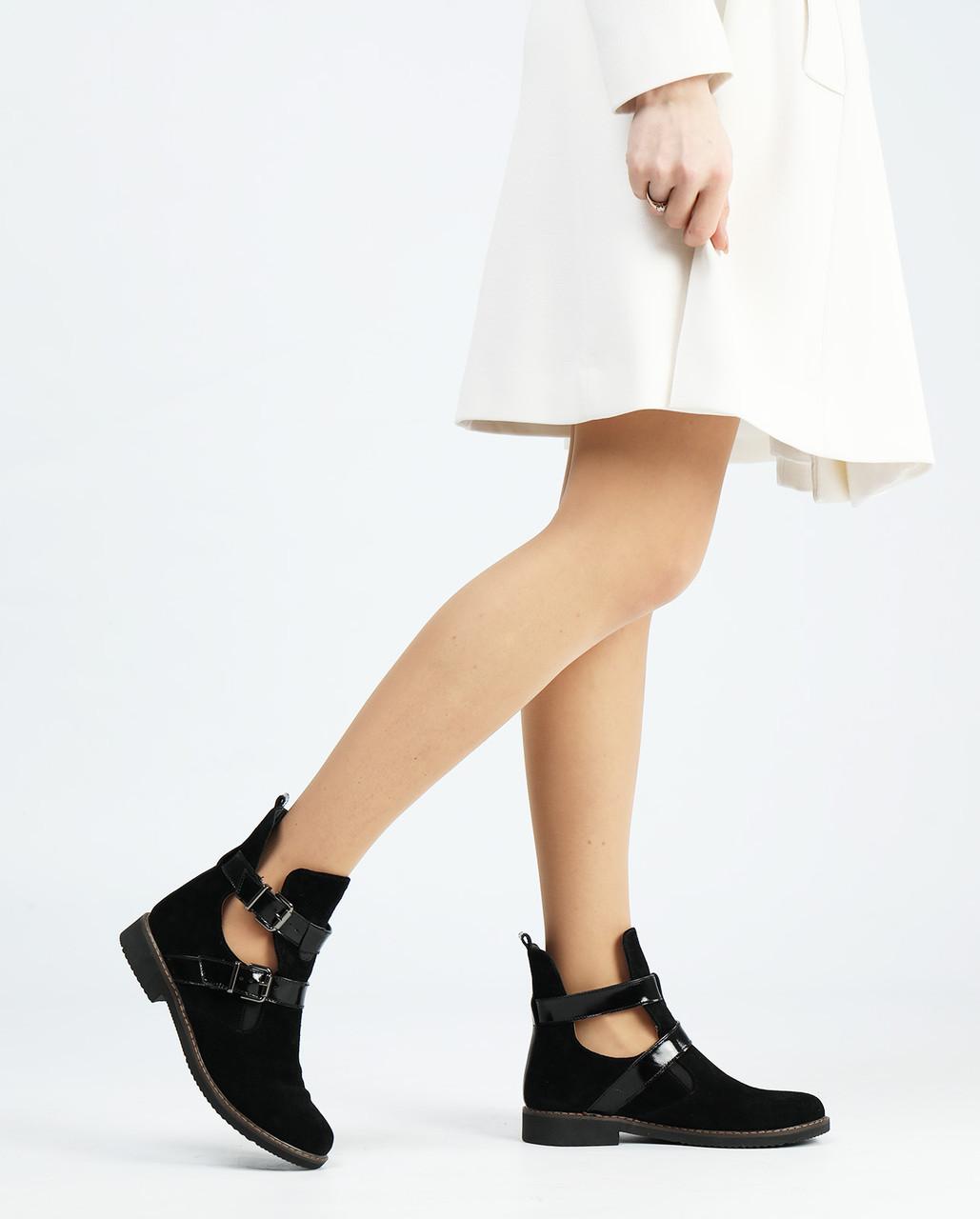 Замшеві жіночі черевики низький хід