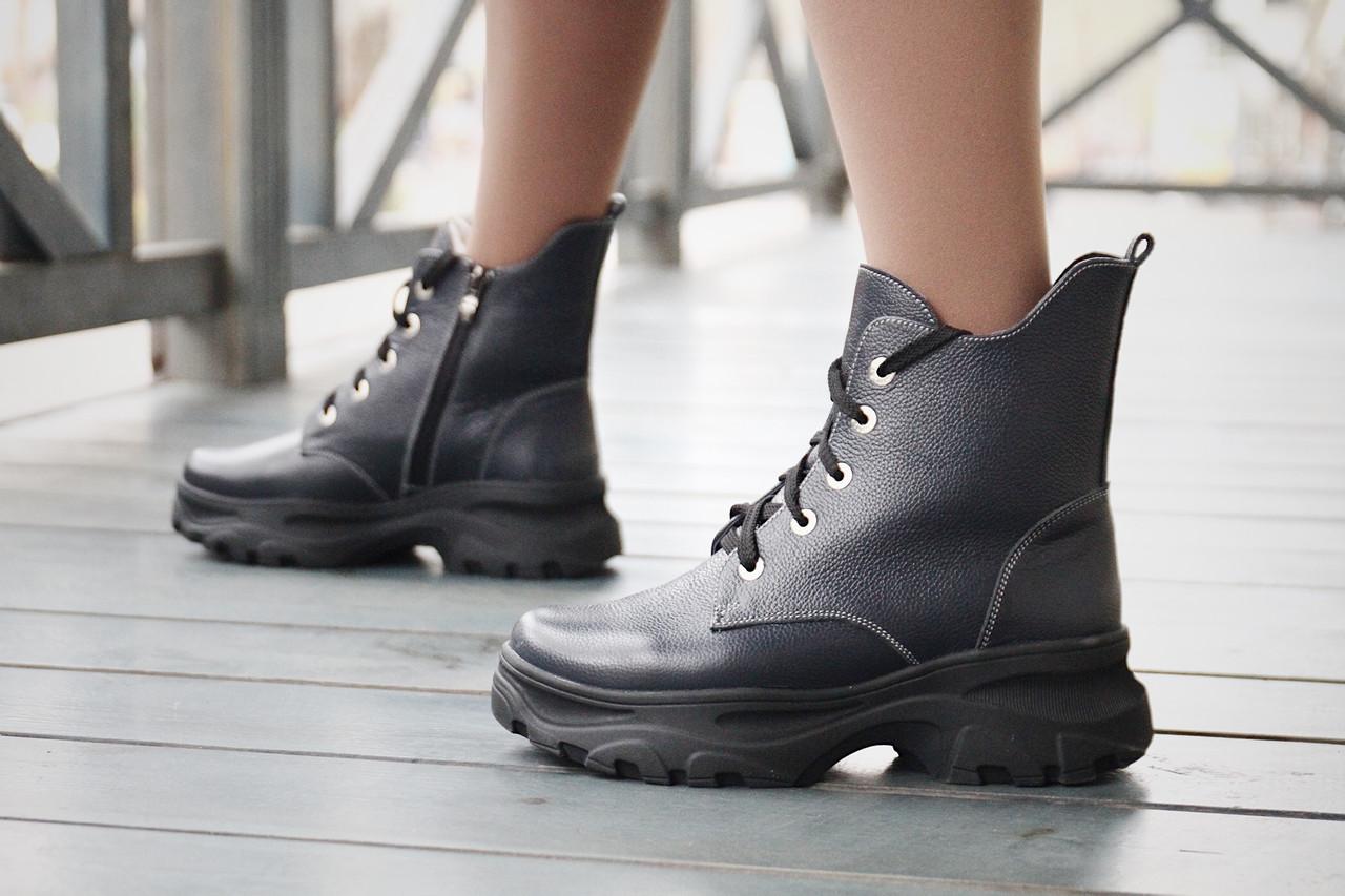 Кожаные женские ботинки на зиму со шнуровкой и молнией