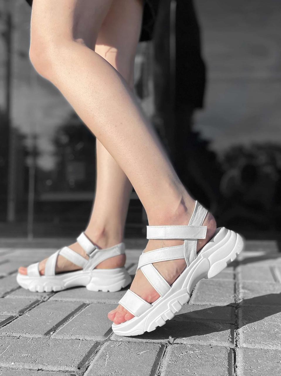 Летняя женская кожаная обувь, спортивные белые босоножки женские