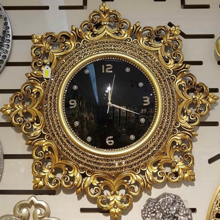 Настінні годинники для будинку в стилі бароко