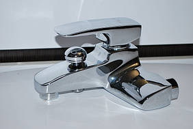 Смеситель латунный для душ и ванны Hansberg Waterfal su 002 Витрина!
