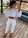 Трикотажный принтованный костюм тройка с топом, укороченной кофтой и принтованными штанами 66ks1030Q, фото 3