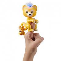 WowWee Fingerlings Интерактивный ручной лев Сэм с малышом Лео (Fingerlings Interactive Sam Baby Lion Light Up)