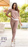 Деловой женский костюм с брюками и лампасами размеры 50-52 мокко