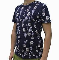 Мужская темная хлопковая футболка синяя с принтами медуз