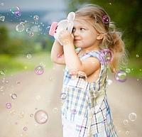 Детская машинка для мыльных пузырей Зайчик на батарейках с подсветкой и музыкой Bubble Maker Camera
