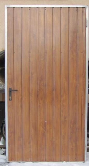 """Двері технічні. Виконання: профнастил """"золотий дуб"""", """"махагон""""."""