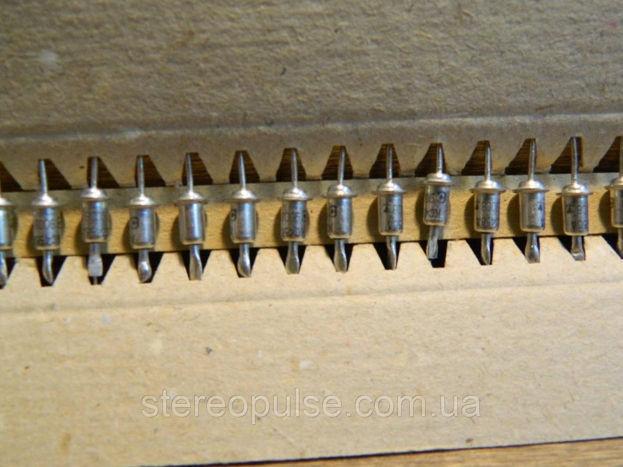 Стабилитрон  2С456А    5.6  В    1 вт   150 мА