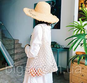 Светлая плетеная сумка