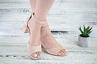 Женские босоножки замшевые на каблуке