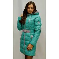 Стильная молодеженая зимняя куртка  в комплекте с шарфом декорирована молнией