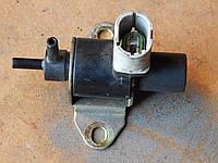 VOLVO вакуумный клапан 7700875912