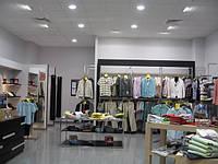 Как выбрать производителя торговой мебели для своего магазина?