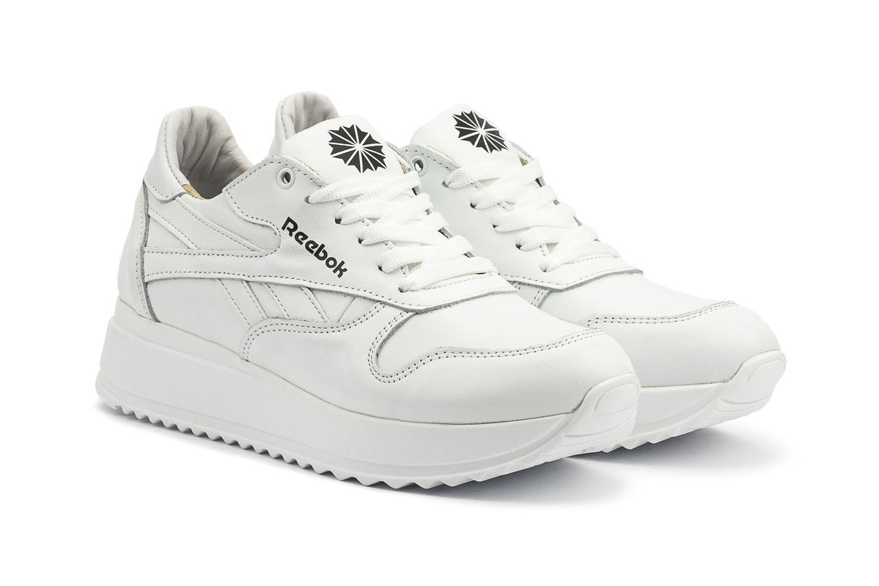Женские кожаные кроссовки на платформе кроссовки в стиле рибок белого цвета
