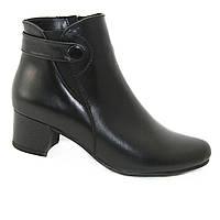 Ботинки женские демисезонные на каблуках из натуральной кожи черного цвета
