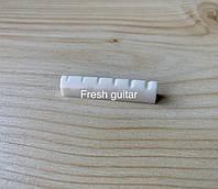 Верхній поріжок для акустичної гітари