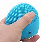 Силиконовая аккумуляторная щетка массажер для чистки лица FOREVER LINA mini Голубая (заряд от USB), фото 6