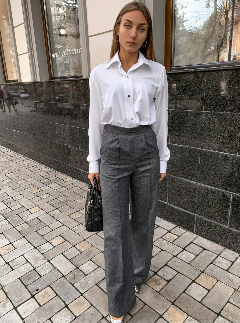 Сірі штани палаццо