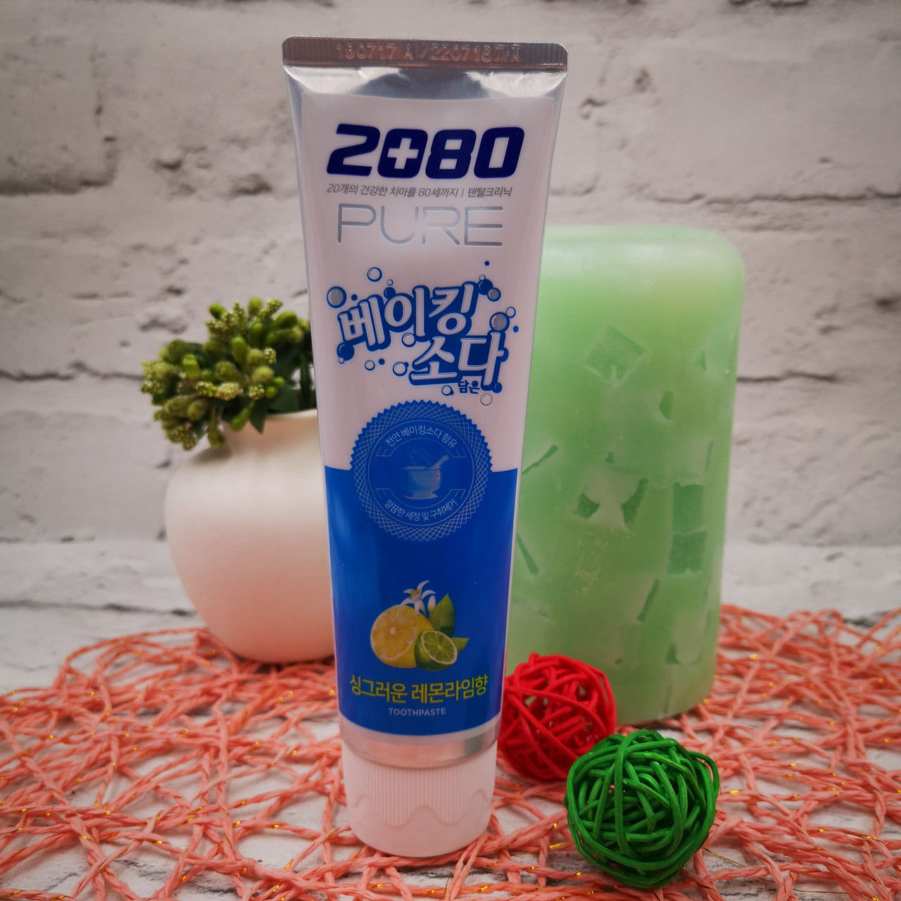 Зубная паста Aekyung с пищевой содой со вкусом лимона 2080 Pure Baking Soda Lemon Lime
