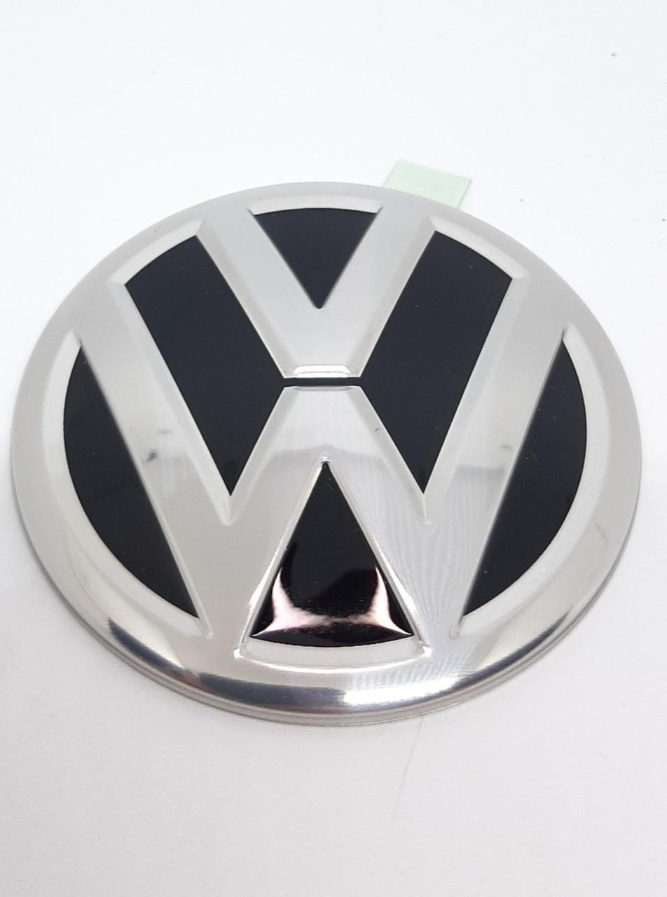 Эмблема VW на крышку двигателя 69мм ОРИГИНАЛ (новый)