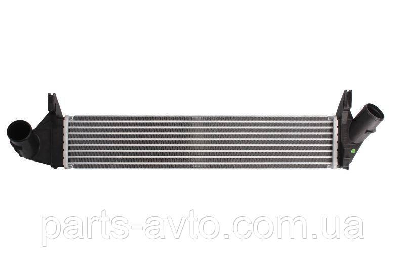 Радиатор интеркуллер 1,5 DCI Euro 4 Logan, MCV, Sandero, Duster THERMOTEC DAR005T, 8200409045