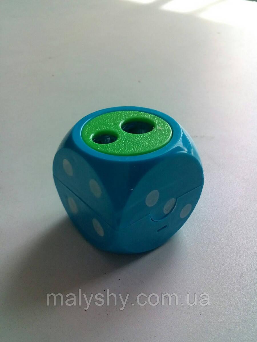 ТОЧИЛКА ДЛЯ КАРАНДАШЕЙ кубик голубая / точило на 2 олівця
