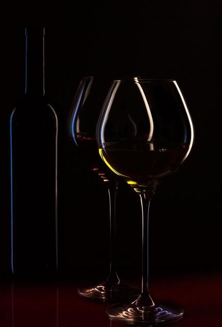 Келихи і фужери для вина