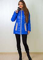 Отличная зимняя куртка с меховым воротником  на молнии