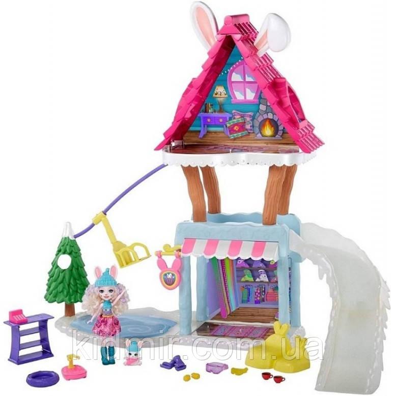 Набор Enchantimals Зимний коттедж Лыжное шале и кукла Кролик GJX50